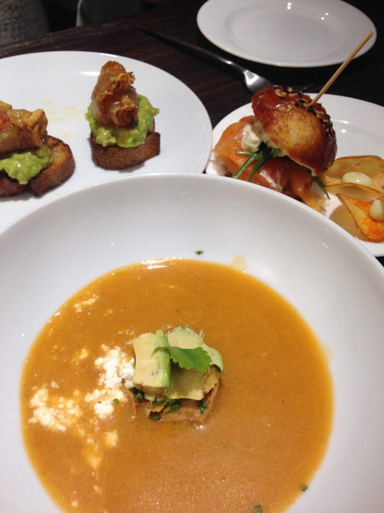 Sopa de pescado azteca